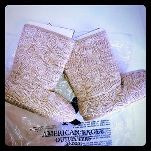 American Eagle Size 5 - 6 Slippers Comfy Tan Shoe
